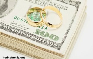 Money and Marriage {3 Ways to Make It Easier}